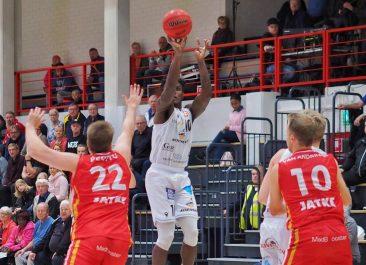 Edullisia lippuja vierasotteluun Ura Basketia vastaan la 23.11.