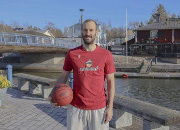 Bojan Sarcevic palaa kotiin